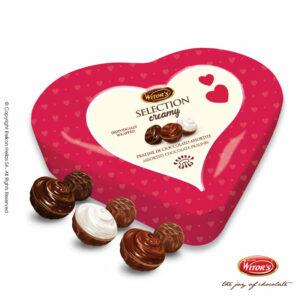 Witor's συσκευασία σε σχήμα καρδιάς με τυλιχτά σοκολατάκια σε 3 διαφορετικές γεύσεις (κρέμα φουντουκιού, κρέμα κακάο & κρέμα γάλακτος). Ιδανικό για την γιορτή του Αγ.Βαλεντίνου.