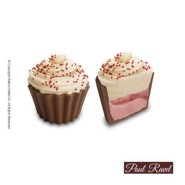 Σοκολατάκια cupcakes με βάση απο σοκολάτα γάλακτος και γέμιση γκανάζ φρούτων του δάσους και τελείωμα απο λευκή κρέμα cheesecake