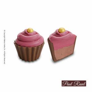 Σοκολατάκια cupcakes με βάση απο σοκολάτα γάλακτος και γέμιση απαλής κρέμςα βατόμουρου και τελείωμα απο σοκολάτα βατόμουρο