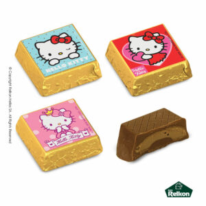 Σοκολατένια τετράγωνα κεράσματα γάλακτος Hello Kitty με γέμιση πραλίνας φουντουκιού