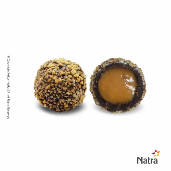Τρούφα σοκολάτας υγείας γέμιση ρευστής καραμέλας θαλασσινό αλάτι επικάλυψη τραγανά κομμάτια φουντουκιού.