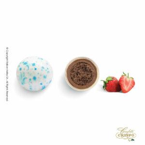 Splash μπλέ με crispies δημητριακά με κακάο, επικάλυψη διπλής σοκολάτας (γάλακτος και λευκής) με λεπτή επίστρωση ζάχαρης και γεύση φράουλα. Ιδανικά για βάπτιση, candy bar και events.