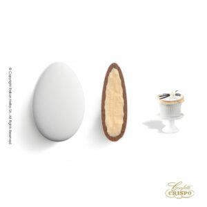 GLUTEN FREE διπλή σοκολάτα, πυρήνας λευκής και επικάλυψη γάλακτος, με λεπτή επίστρωση ζάχαρης και γεύση σουφλέ βανίλιας. Ιδανικό για γάμους, βαπτίσεις και candy bar.