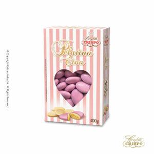 GLUTEN FREE Classic, πυρήνας ωμού και ξεφλουδισμένου αμυγδάλου, χωρίς πρόσθετα αρώματα. Η λεπτή επίστρωση ζάχαρης σε ροζ χρώμα το καθιστά ιδιαίτερα αφράτο και αναδεικνύει την αυθεντική γεύση του καρπού. Ιδανικά για γάμο, candy bar και events.